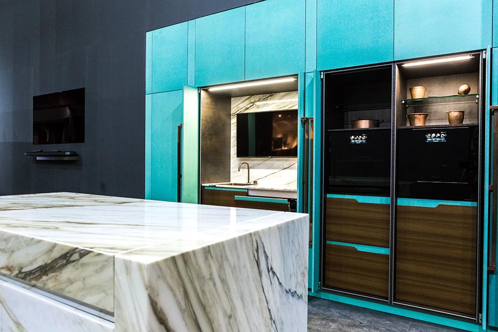 Toncelli: кухня в оттенке «тиффани» Blue Tiffany по проекту Дмитрия Кулиша